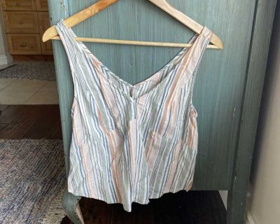 Saltwater luxe tank worn once small