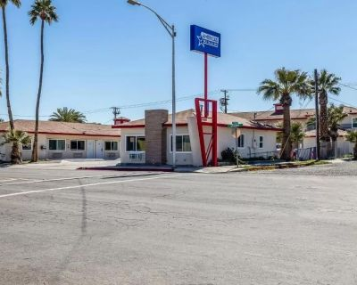 Americas Best Value Inn Needles - VIP Room Suite 1 - Needles