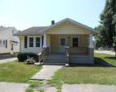 Mattoon Real Estate Home for Sale. $74,500 3bd/1ba. - Larry Hanner of