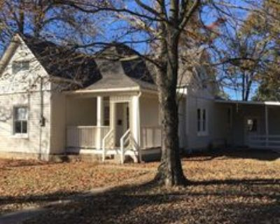 1411 Richardson St, Columbia, MO 65201 4 Bedroom House