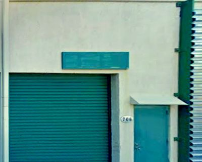 For Sale Distribution Warehouse 500 SF