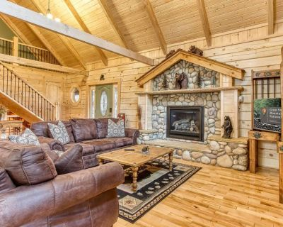 (New Listing) Hot Tub, Pool Table, Foosball and Arcade!!! - Chalet Village