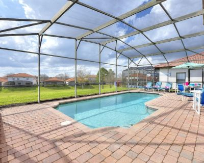 South Facing + Green Views, Gated Resort Facilities, Games Room #819 - Four Corners
