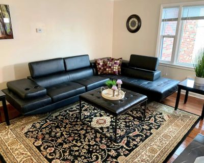 The Gorge View Villa- 7BR Free Parking, Minutes From Falls & Casino - Downtown Niagara Falls