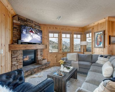 CDC Approved Cleaning! Lower Deer Valley - Walk to Ski! Private Hot Tub - Park City