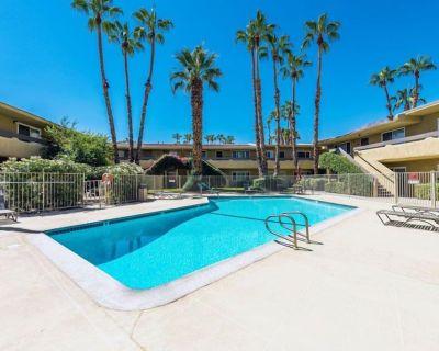 Hidden Oasis Condo - Mtn Views, Pool, Hot Tub, Sauna, A/C, Remodeled - Palm Springs