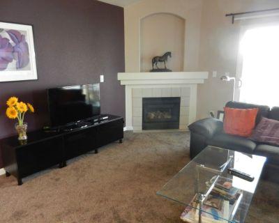 Stylishly furnished 2bed 2 bath Centerra . Near everything