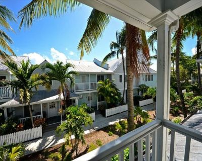 Craig & Cindy Key West Truman Annex Shipyard Condo with balcony at Mile Marker 0 - Old Town Key West