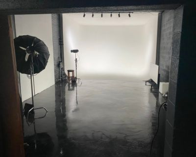 Large Studio Space, Open Concept, with 4 cyc Wall Areas, DENVER, CO