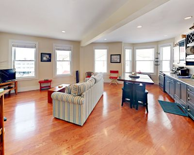 Boothbay Harbor Flat in the heart of Nightlife, Shopping, Boating Excursions - West Boothbay Harbor