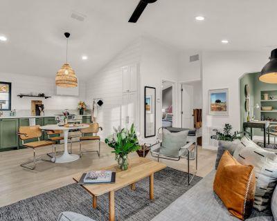 New! Luxury Vacation Cottage w/Deck & Patio - Fredericksburg