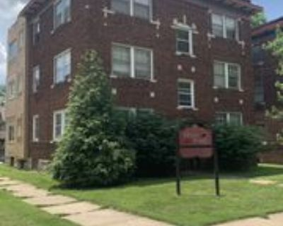 819 East 42nd Street #3W, Kansas City, MO 64110 1 Bedroom Apartment