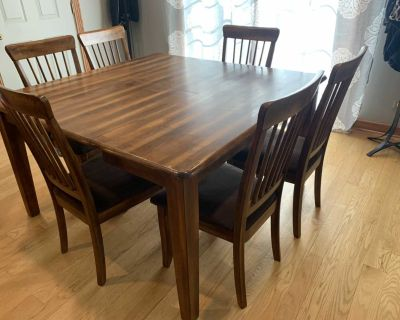 Ashley Furniture Table & 6 Chairs