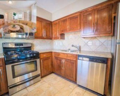 4821 Roanoke Parkway #601, Kansas City, MO 64112 1 Bedroom Apartment