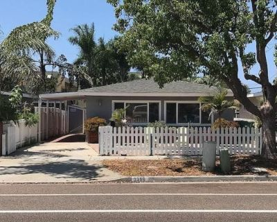 2BD/1BA beach home located in the Carlsbad Village