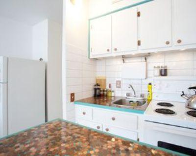 3455 Rue Durocher #515, Montr al, QC H2X 2C9 Studio Apartment