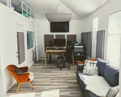 Chic North Hollywood Recording Studio with Great Natural Lighting, North Hollywood, CA