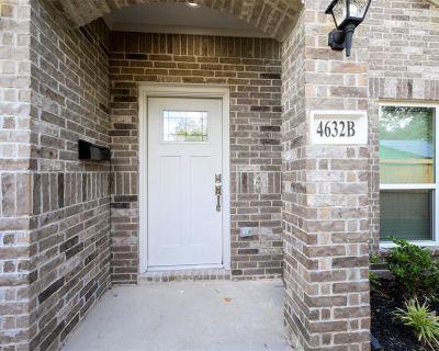 4632 Brinkley Street B, Houston, TX 77051