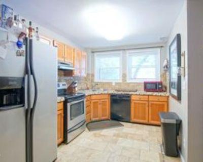 2043 Douglass Blvd #21, Louisville, KY 40205 1 Bedroom Apartment