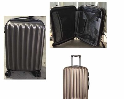 """Ricardo Big Sur 22"""" Hardside Carry-On Luggage Spinner with Packing Cubes- Tan(Latte) (Pre-owned)"""