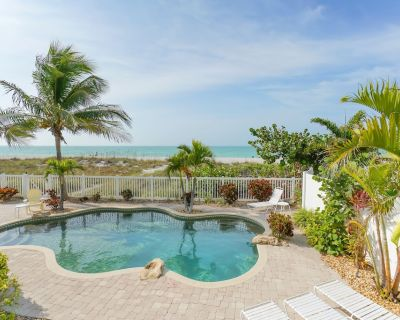TRUE BEACHFRONT HOME DIRECTLY ON SUGAR WHITE SANDS WITH HEATED POOL - IDYLLIC - Holmes Beach