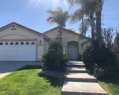 3 beds 2 bath single family home for rent in Bakersfield, CA 93311