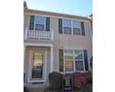 Charming 3 Bedroom Townhome in Alpharetta- Close to Shops!