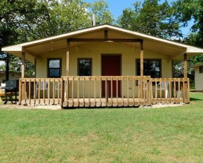 Cottage #1 with a view of Bull Shoals Lake - Mountain Home