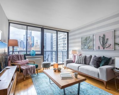 Stately Theater District 1BR w/ Indoor pool + Gym by Blueground - Theater District