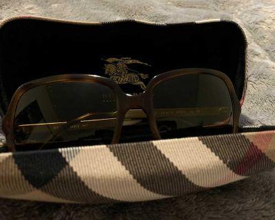 Burberry Women s Sunglasses