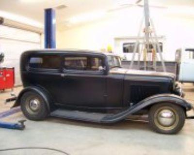1932 Ford 2 Door Sedan Hot Rod