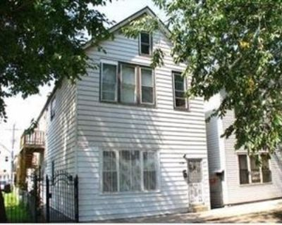 8330 S Buffalo Ave #2R, Chicago, IL 60617 3 Bedroom House