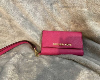 Michael Kors Saffiano Leather Phone Wristlet for iPhone 5