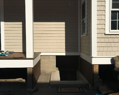 Charming Colonial Two Bedroom Basement Apartment - Medford