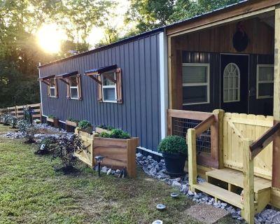 Coco's Cabin, - Goodlettsville
