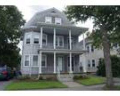 Newton 3BR 2BA, Beautiful property: spacious duplex