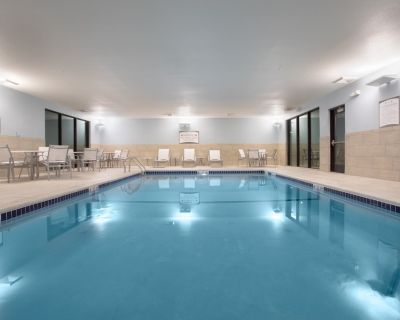 Air-Conditioned Studio   Pool Access + FREE Daily Breakfast Included - Littleton