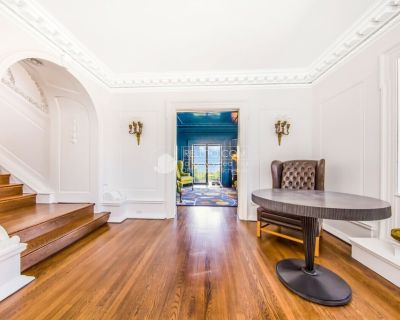 Historic and Opulent Pacific Heights Mansion Overlooking Alta Plaza Park - Pacific Heights