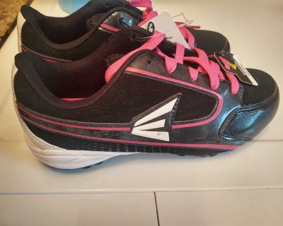 New with tags girls softball cleats