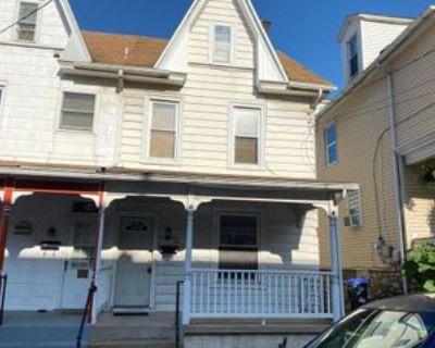 341 Locust St, Steelton, PA 17113 3 Bedroom Apartment