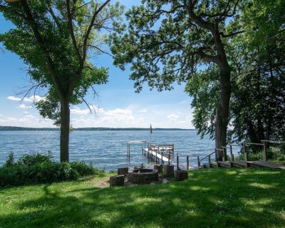 Carter Cottage - Private Lakefront Getaway - Green Lake
