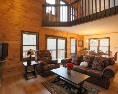 4 Bed   3 Bath   Pigeon Forge   Community Pool! - Pigeon Forge