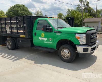 2016 Ford F-350 XL Super Duty 4x4 S/A Flatbed Truck