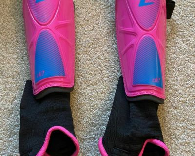 Girls shin guards with ankle protection