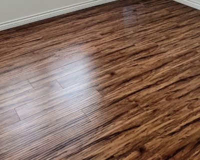 Private room with shared bathroom - Van Nuys , CA 91406