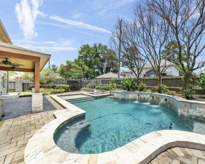 Family retreat with HEATED POOL/SPA near The Woodlands! - Harris County
