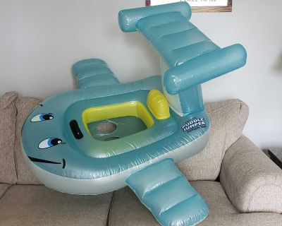 Inflatable baby pool float