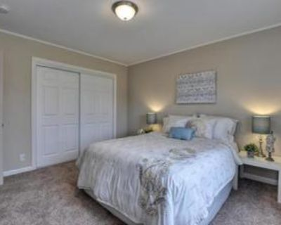Master Bedroom Available for Rent in East Palo Alto House!