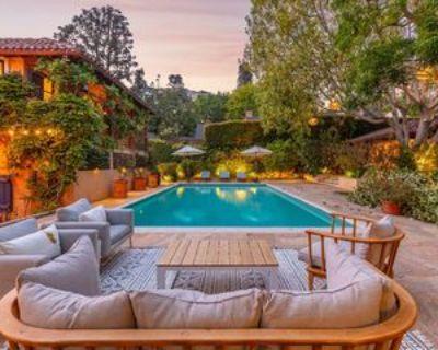 1416 Bluebird Ave, Los Angeles, CA 90069 4 Bedroom Apartment