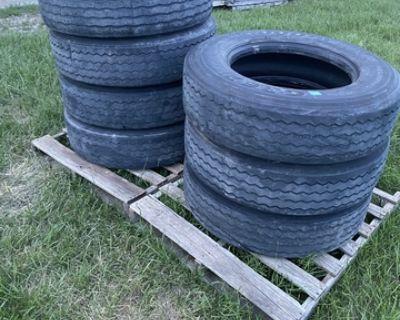 295/75R22.5 Low Profile Tires